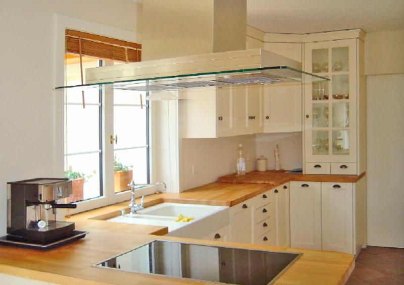 pin k che mit fronten aus kunstharz mit holzimitat abdeckung in granit on pinterest. Black Bedroom Furniture Sets. Home Design Ideas